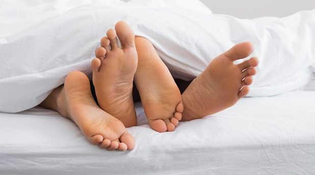 Quan hệ với người bị bệnh lậu có bị nhiễm bệnh không bác sĩ?